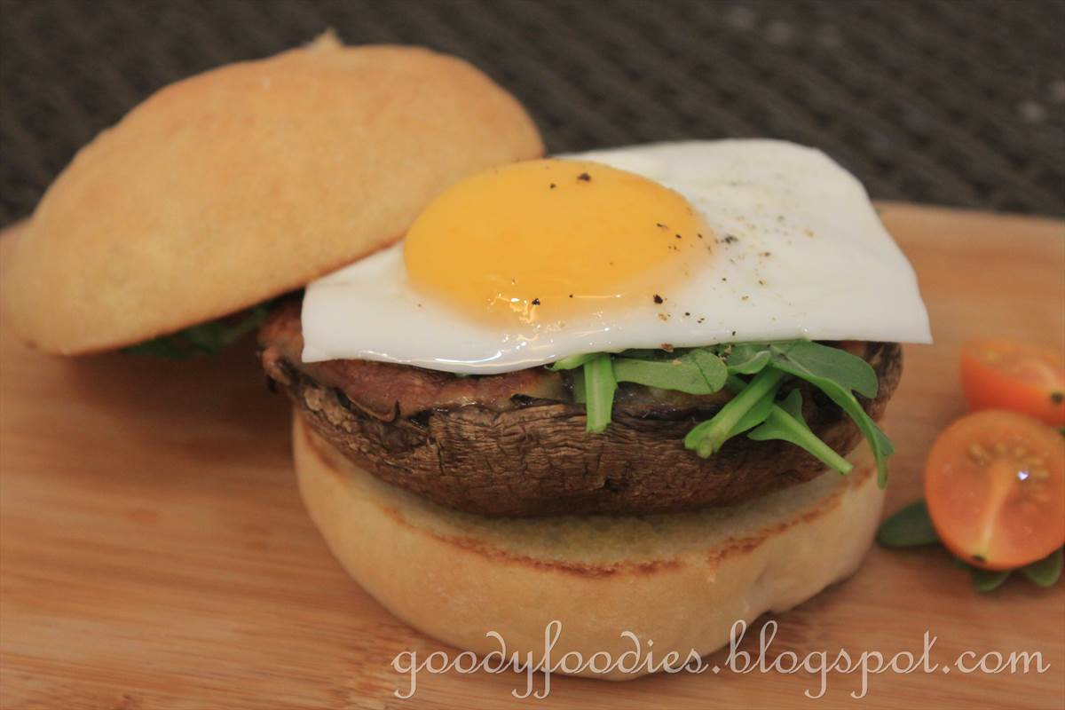 ... : Recipe: Veggie Burger (Grilled Portobello Mushroom with Mozzarella