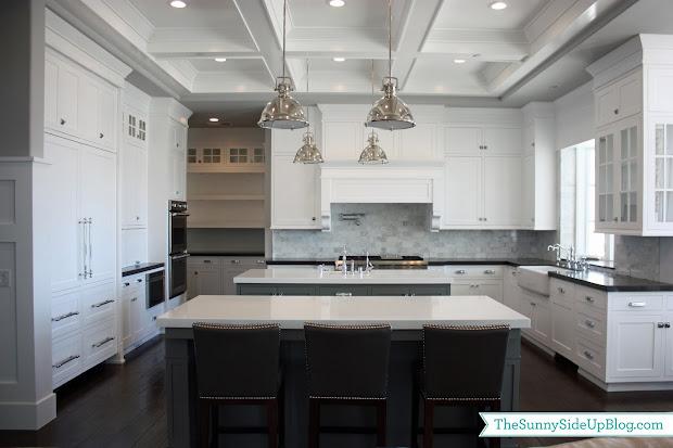 Shaker Kitchen Cabinets with Gray Quartz Countertop