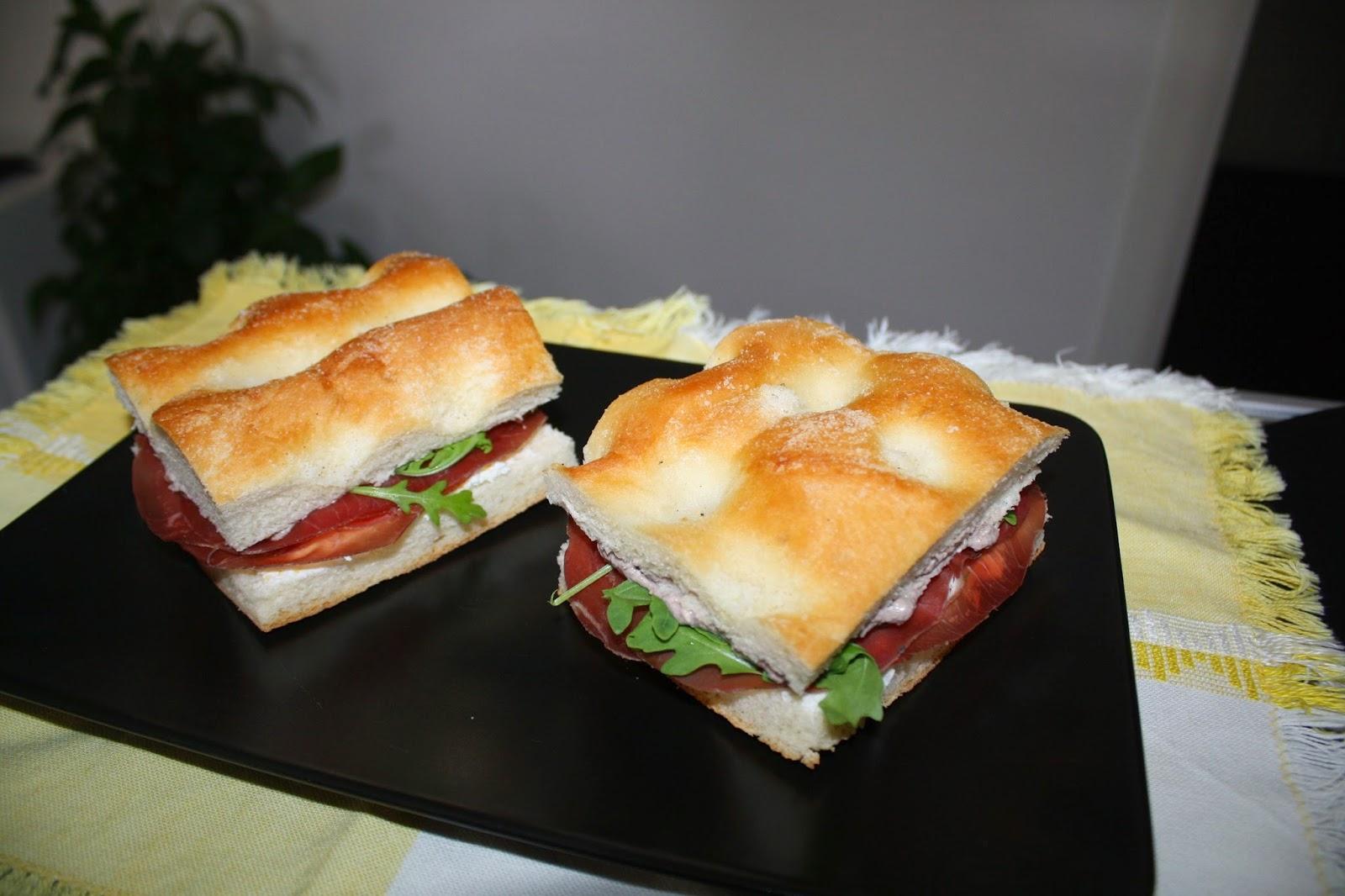 ricetta panino rucola bresaola caprino