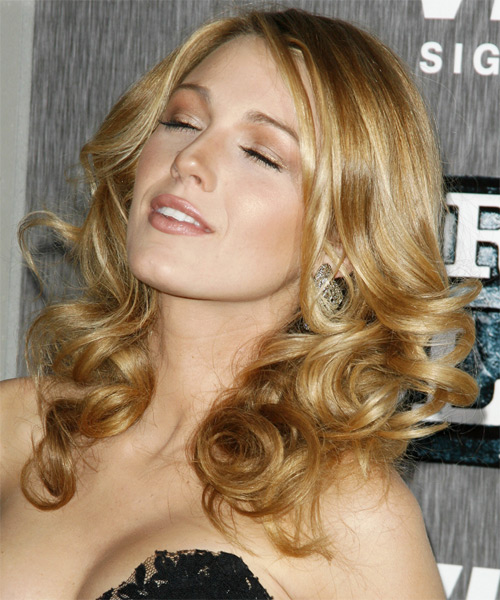 Fresh Look Celebrity Hairstyles - Blake Lively 12