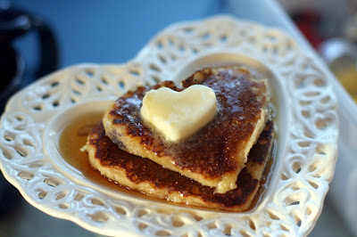 heart shaped pancakes 1024x682 Treats for Valentines Day