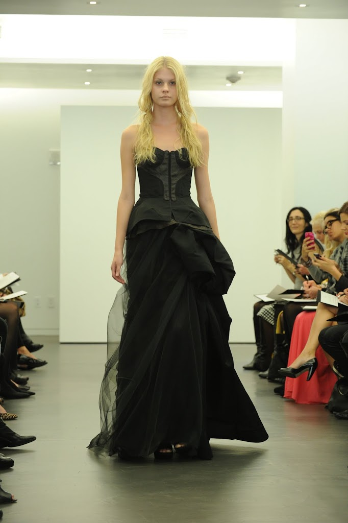 Vera_Wang_Black_Wedding_Dress_Structured_Top