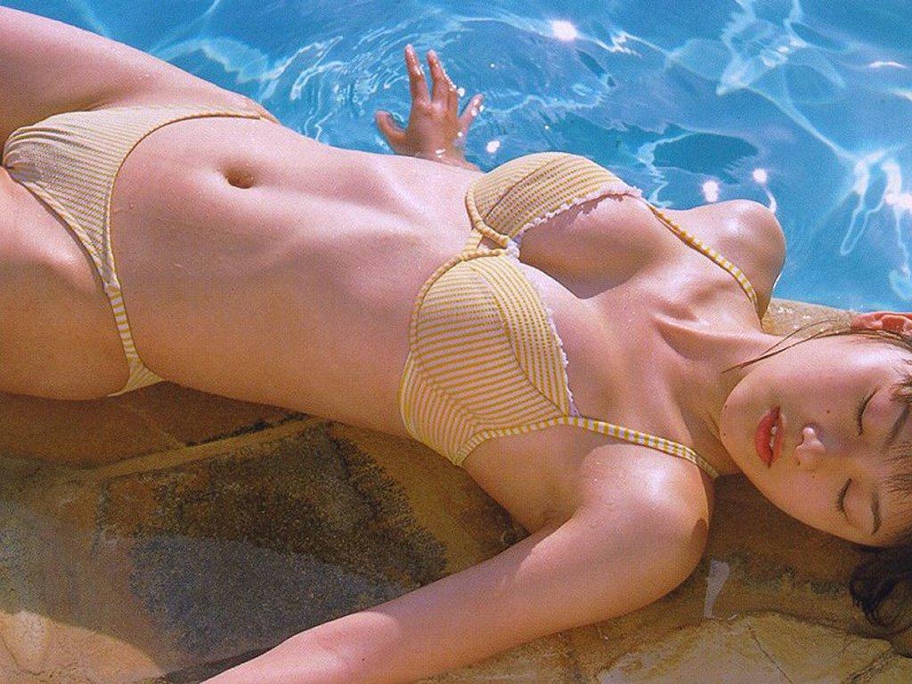 http://1.bp.blogspot.com/-kuyEaIpars0/TuXh32d34FI/AAAAAAAAAiU/W0TevZljIsQ/s1600/Sexy+Asian+Bikini+Collection-79.jpg