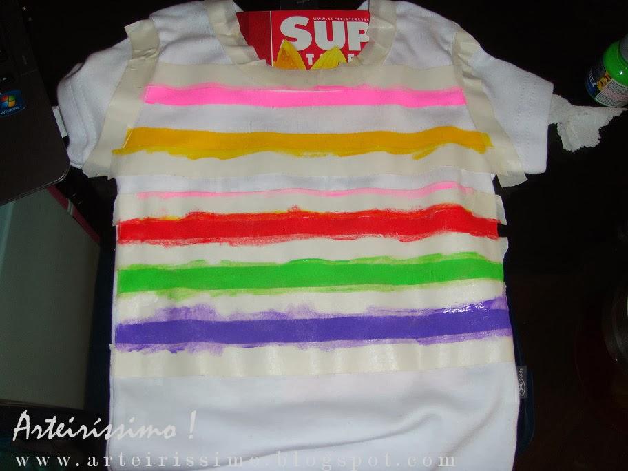 pintura em camiseta listras fita crepe