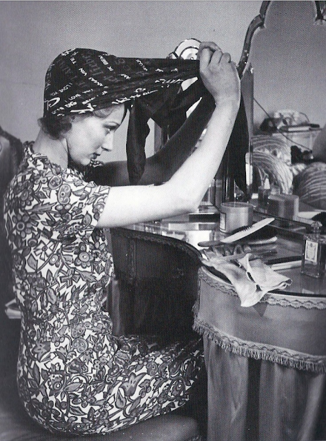1940s head scarf