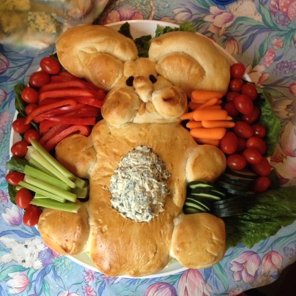 Bunny Bread and Spinach Dip