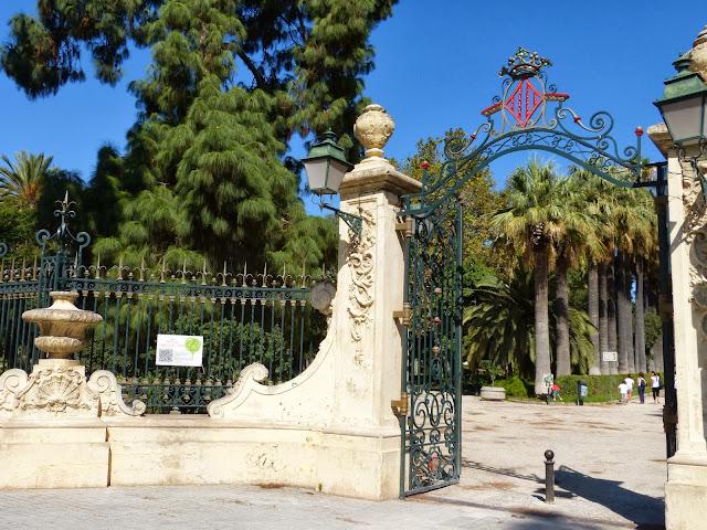Na companhia do gato valencia jardines del real for Jardines del real valencia