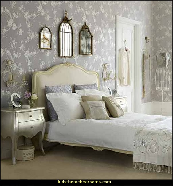 Victorian Decorating ideas - Vintage decorating - Victorian Boudoir -  Romantic Victorian Bedroom Decor - lace