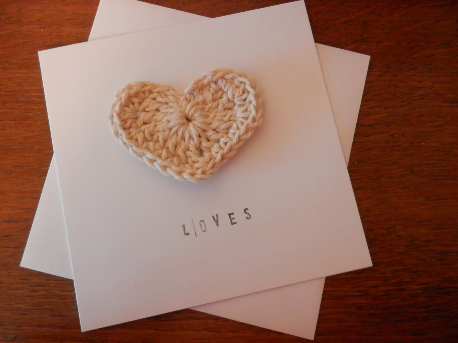 How to Make an Easy, Crochet Heart Valentines Card.  Papercraft Tutorial.  secondhandsusie.blogspot.co.uk