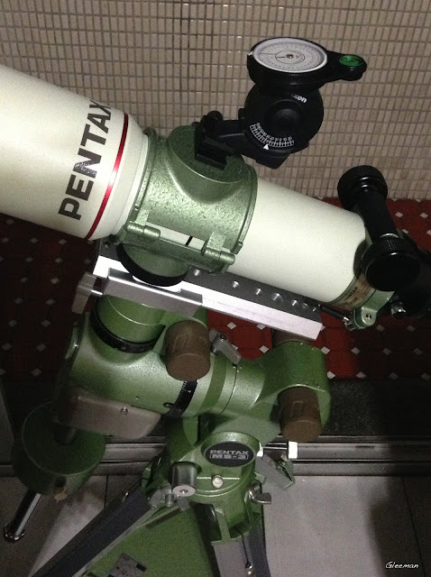 Polar meter使用熱靴(或冷靴)固定,利用來粗對赤道儀的極軸也很方便。