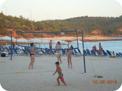 volei pe plaja la Psili Ammos