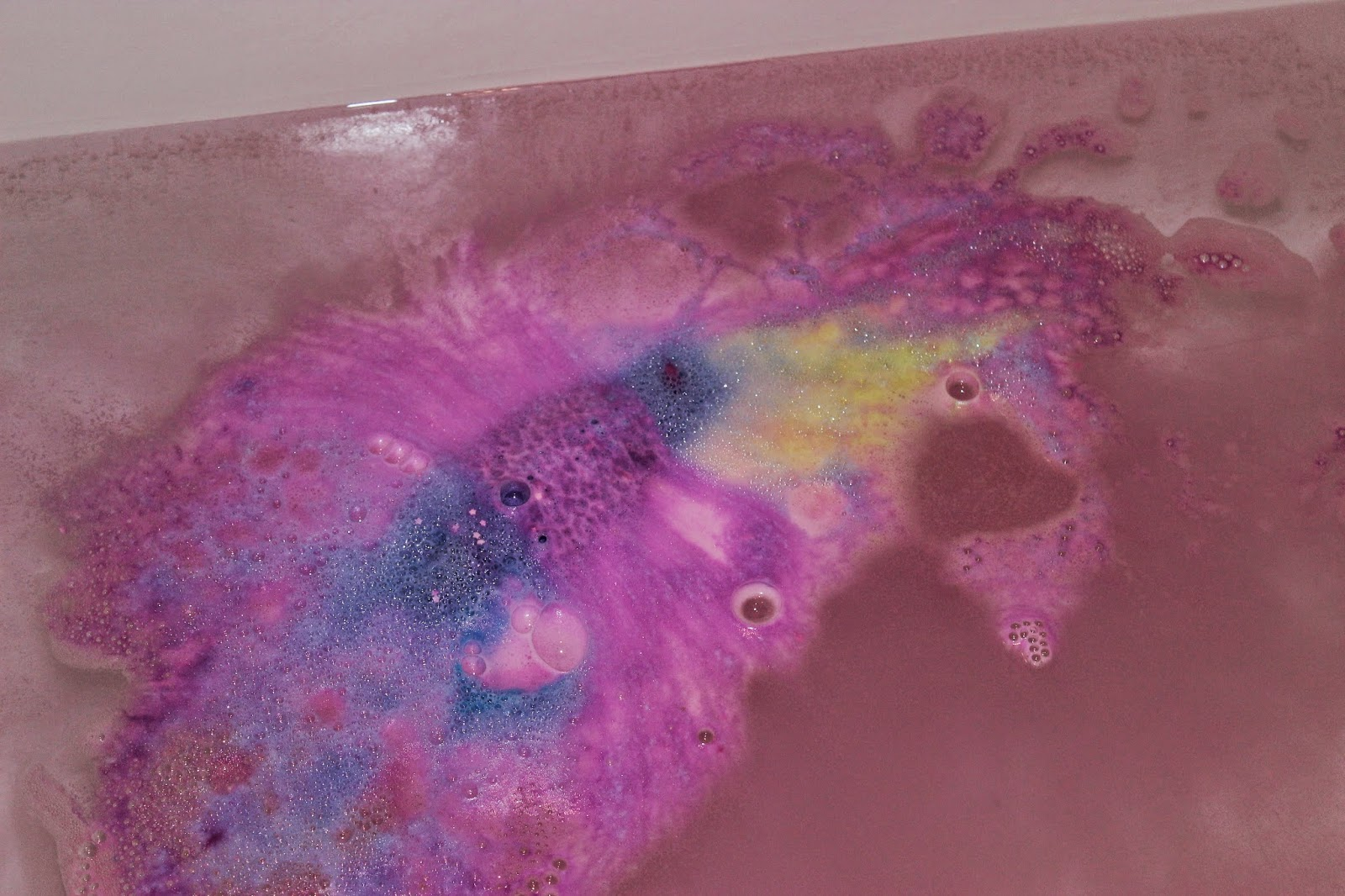 Lush Northern Lights Bath Bomb