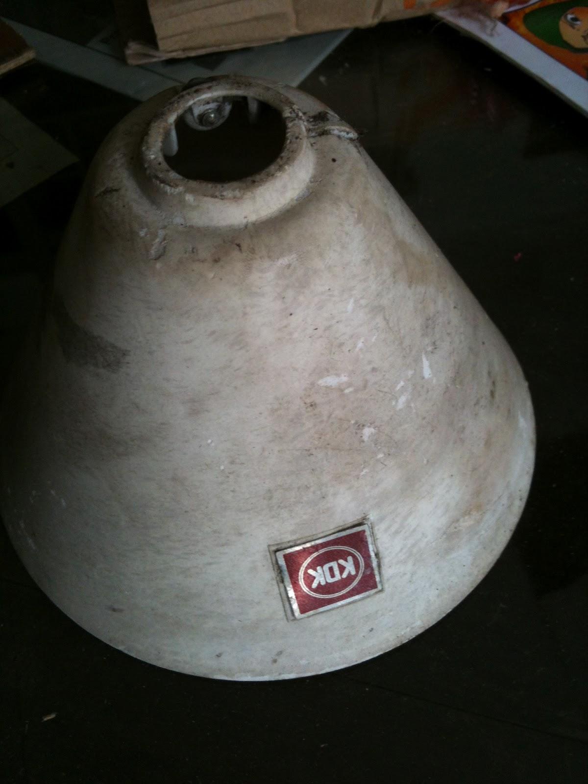 Yang ni pulak, base kipas siling jenis KDK aku dapat dari kedai kayu ...