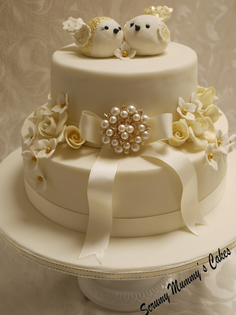 Cake Pic For Wedding Anniversary : Scrummy Mummy s Cakes: Isobella Golden Wedding Anniversary ...