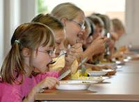 Governo francês proibe vegetarianismo nas escolas
