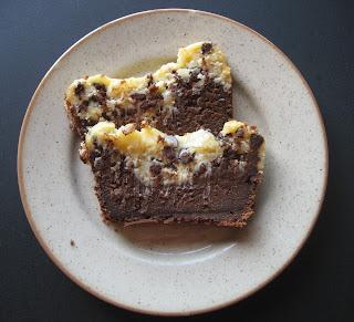 Bizcocho de chocolate y queso