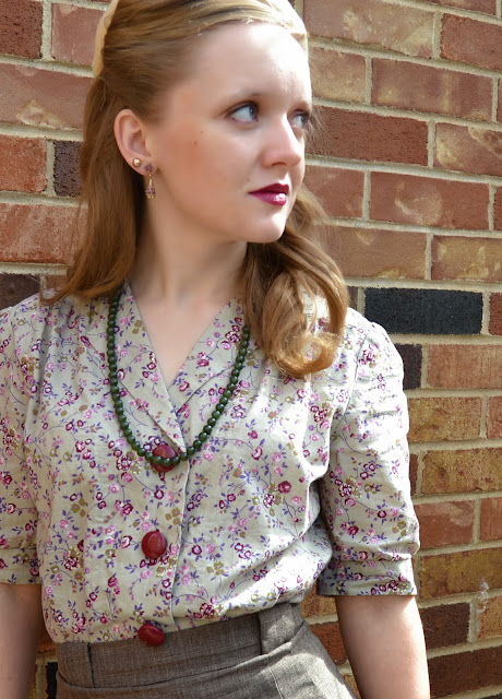 Flashback Summer: Mysterious Prune- 1940s vintage outfit/ Mary Kay Mystic Plum/ beret/ autumn/ fall