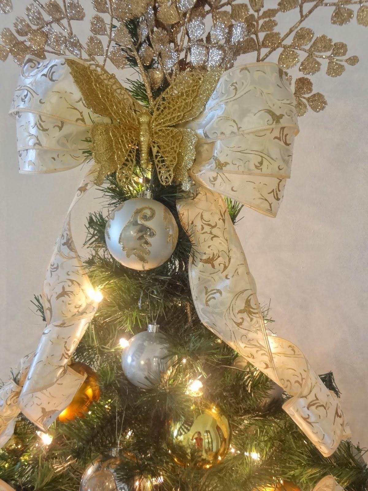decoracao arvore de natal vermelha e dourada:Resolvi brincar com alguns filtros da minha máquina..rs.adorei