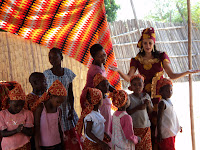 Missionária Neangela e as crianças