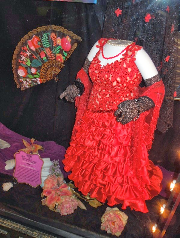 Muppets Most Wanted Miss Piggy Flamenco costume