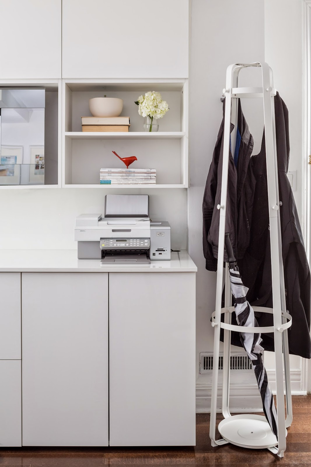 A home office and a guest room: How to create a multifunctional ...
