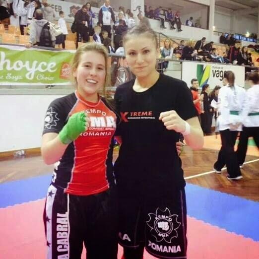 campeã e vice campeã mundial de light Kick e semi contact