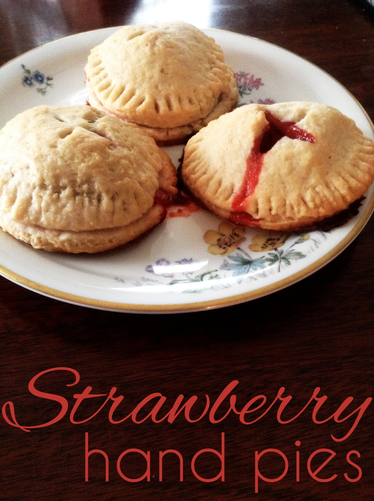 megbakes: Strawberry Hand Pies