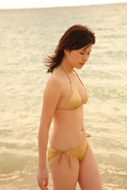 Shiori Kanzaki - Japanese Model