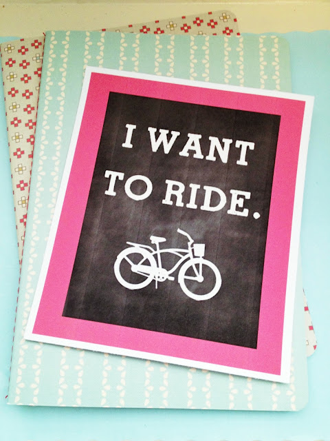 I love this cute and free bike printable!