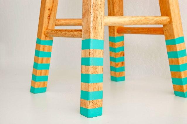 Pintar las patas de un mueble