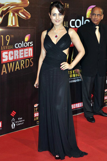 Amisha Patel hot in black