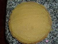 Tarta de San Marcos-montaje-cubriendo de yema