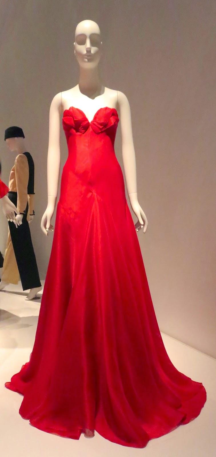 Idiosyncratic Fashionistas: Yves Saint Laurent + Halston: Fashioning ...