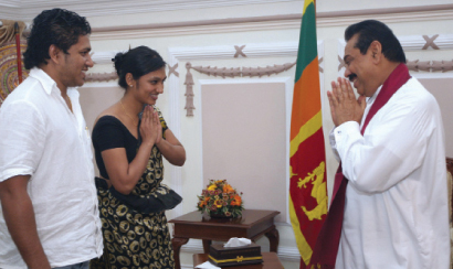 upeksha swarnamali and husband meeting mahinda rajapaksa