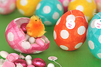 Easter and Spring Craft ideas: how to make papier mache easter eggs
