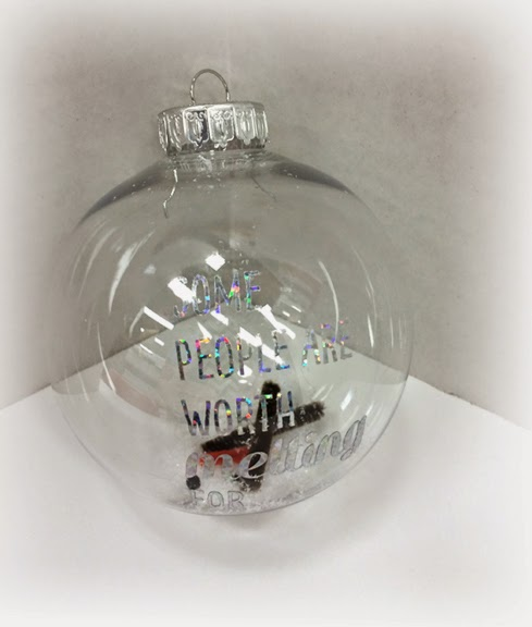 Diy do it yourself crankin out crafts episode 383 some people add a vinyl sticker to a clear ornament solutioingenieria Images
