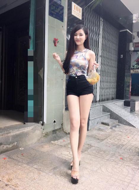 Hot naked vietnamese girls