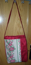 Bolso alargado color cereza
