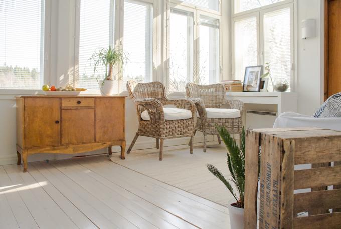 moderni puutalo sisustus valkoinen lautalattia osmo color öljyvaha