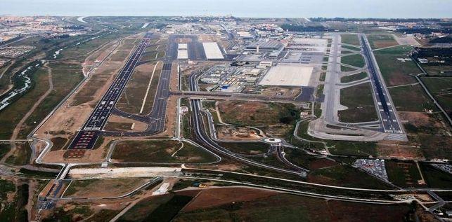 Configuración pistas y terminal Aeropuerto de Málaga
