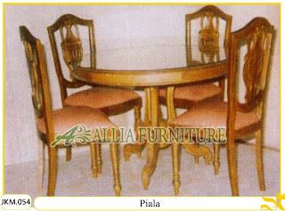 Kursi dan Meja Makan Ukiran Kayu Jati Piala