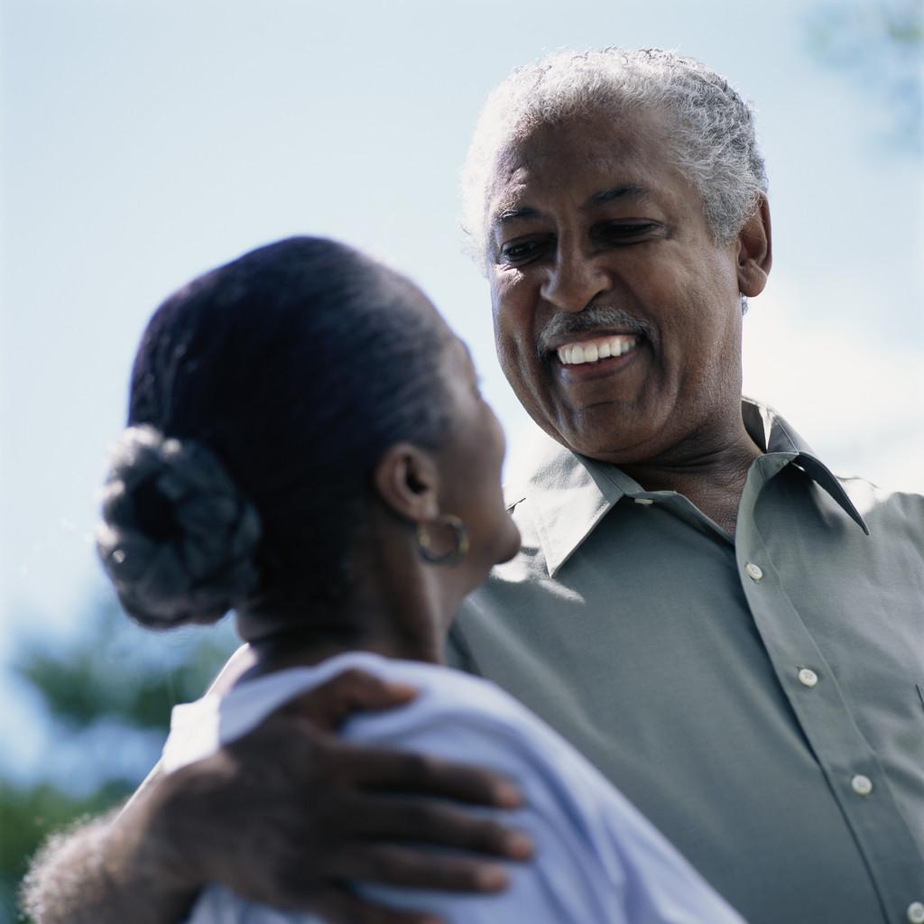 http://1.bp.blogspot.com/-kypkzZFJhM8/Tp_6Y9ts0bI/AAAAAAAATMU/6VCksEfJU3M/s1600/African-American%252520couple.jpg