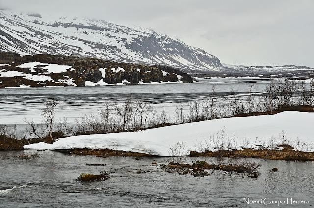 Lago helado Suecia