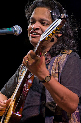 PAUL PONNUDORAI: THE BEST GUITARIST THERE IS, THIS SIDE OF THE PACIFIC