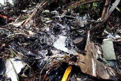 Foto kecelakaan pesawat sukhoi superjet 100