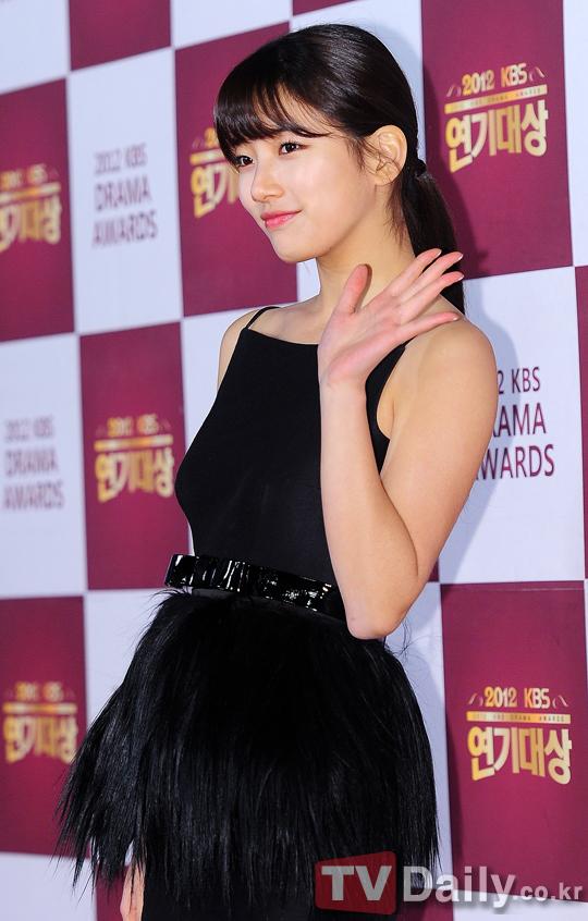 Suzy 2012 KBS Drama Awards