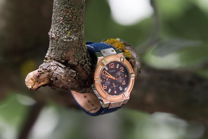 Nueva colección de relojes con azul denim de Guess