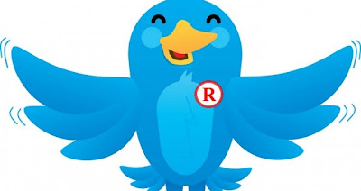 """Finalmente Twitter logró enmendar esa poco astuta movida de no registrar los derechos por la palabra """"tweet""""; el nombre que recibe la principal acción que uno hace al utilizar dicha red social. La compañía llevaba años enfrascada en una discusión legal con el proveedor de publicidad auspiciada Twittad durante años por el uso de la palabra, porque esta última se apoderó del término al registrar su eslogan """"Led your ad meet tweets"""" y varias variantes de la palabra en cuestión. Twitter aseguraba que el término """"tweet"""" era famoso como uno de Twitter antes de que Twittad la inscribiera, pero la"""
