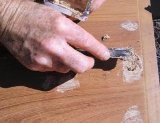 Como restaurar puertas de madera viejas o deterioradas - Masilla para reparar madera ...