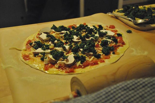 Selbst belegte vegetarische Pizza